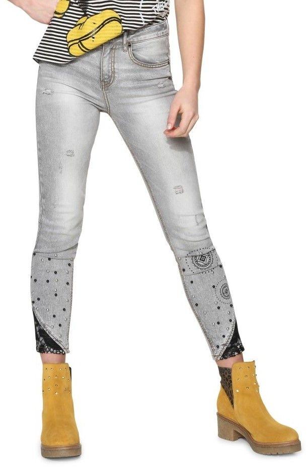 19d68610c2f1 Desigual svetlo sivé džínsy Pearls značky Desigual - Lovely.sk