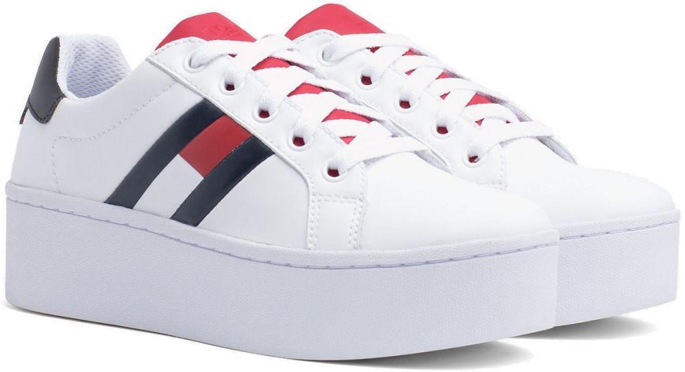 5778f69ce5859 Tommy Hilfiger biele tenisky na platforme Tommy Jeans Icon Sneaker značky Tommy  Hilfiger - Lovely.sk