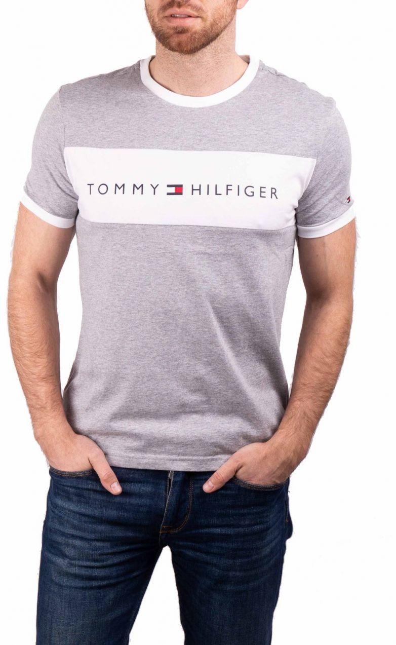 c2dc4e633 Tommy Hilfiger sivé pánske tričko CN SS Tee Logo Flag značky Tommy Hilfiger  - Lovely.sk