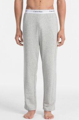 e536846684 Calvin Klein sivé pánske tepláky Jogger značky Calvin Klein - Lovely.sk