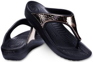 Crocs Žabky Sloane Hammered Met Flip Black/Rose Gold 205134-08O 38-39