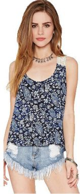 Forever 21 dámsky top Crochet -Paneled Paisley Print Top M