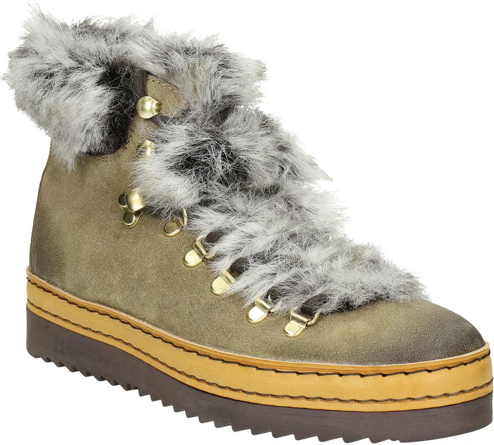 620245cd7083 Dámska zimná obuv s kožúškom značky Baťa - Lovely.sk