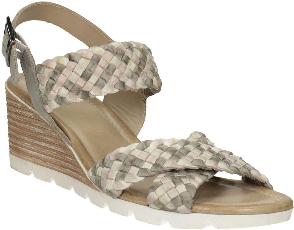Kožené pletené sandále na kline béžové značky Baťa - Lovely.sk db5b5518b1