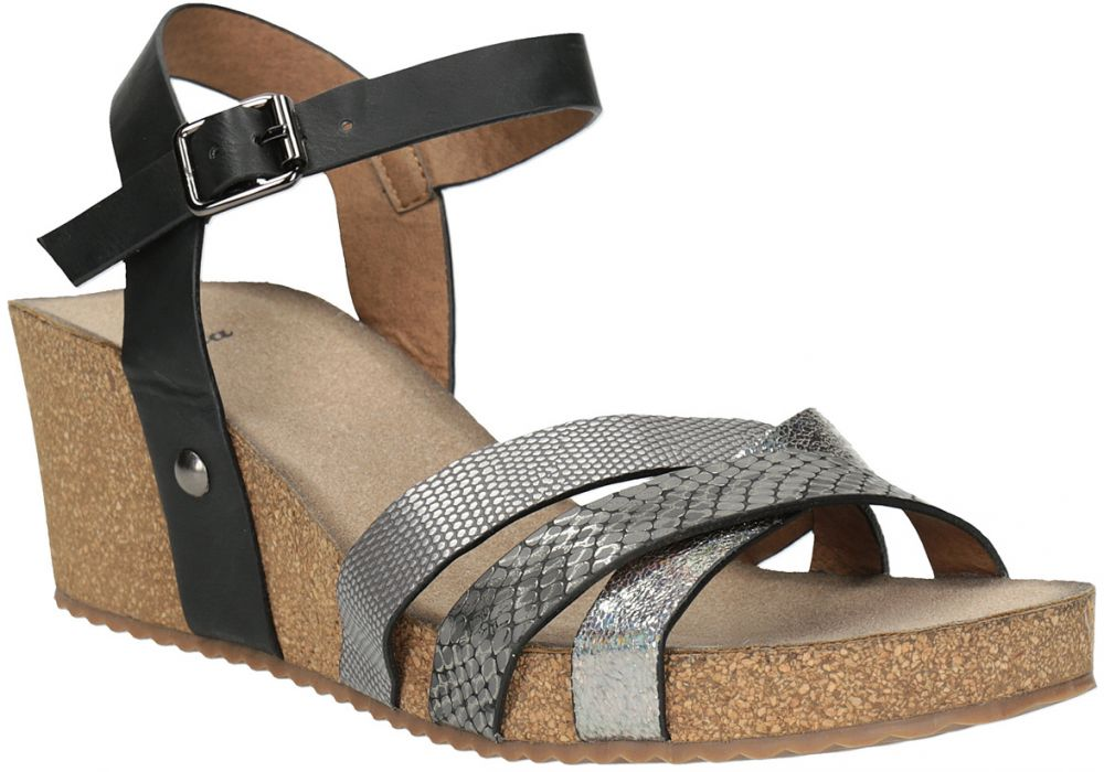 70d51a982a22 Korkové sandále na kline značky Baťa - Lovely.sk