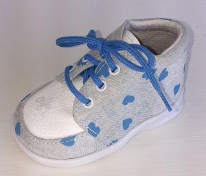 První krůčky Dievčenské kožené topánočky s modrými srdiečkami - svetlo modré f83950753cc