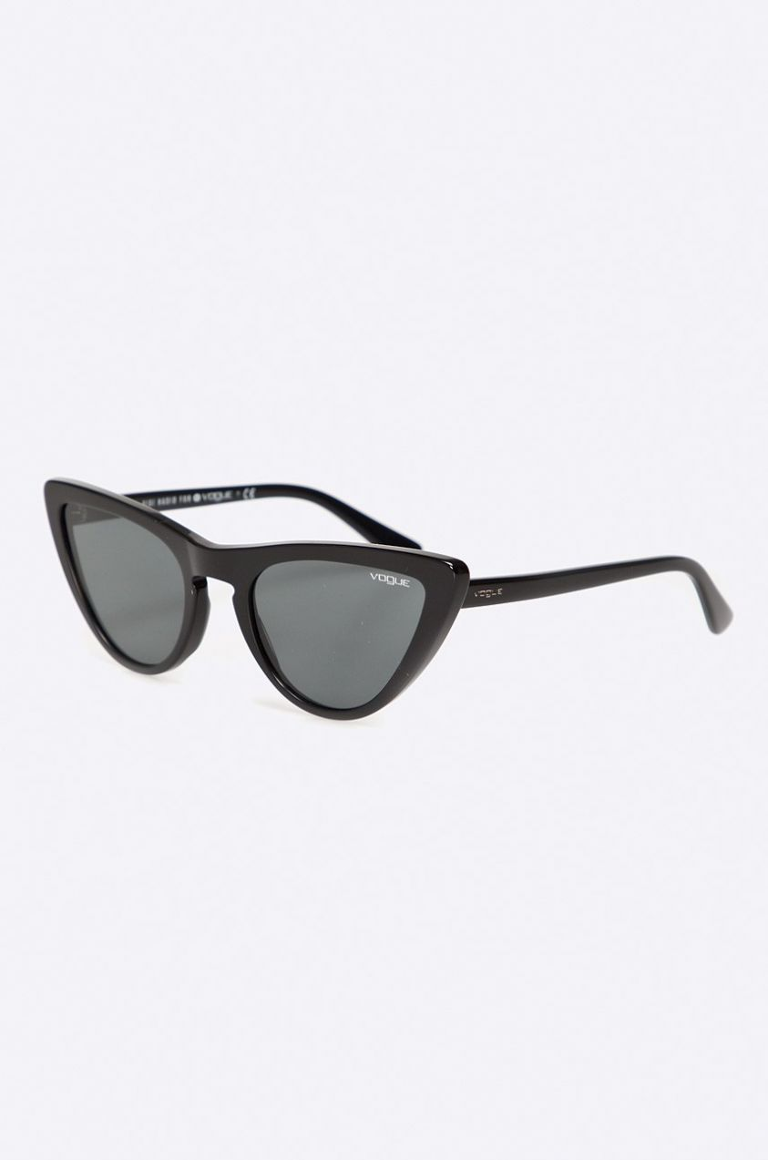 Vogue Eyewear - Okuliare Gigi Hadid for Vogue značky Vogue Eyewear -  Lovely.sk 8223eca85ac
