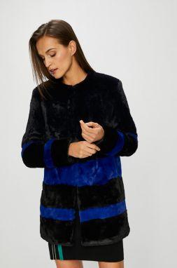 Bundy a kabáty z umelej kožušiny Guess jeans - Lovely.sk 34ba4916dc4