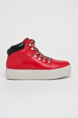 Kožené Slip-on topánky s perforáciou značky FLEXIBLE - Lovely.sk 0e52c64db46