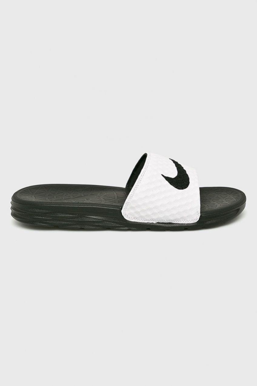 Nike Sportswear - Šľapky Benassi Solarsoft Slide značky Nike ... 5293224a5b3