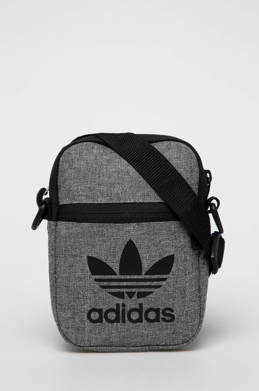 da57b148c5 adidas Originals - Malá taška značky adidas Originals - Lovely.sk