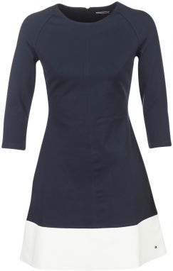 Krátke šaty Tommy Hilfiger  AMY-C-NK-DRESS-3/4-SLV