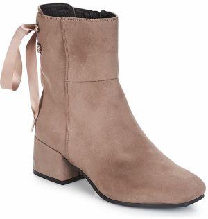 562e89a24a26 Ružové dámske semišové členkové topánky na podpätku Vagabond Alice ...
