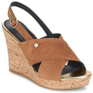 b3171a4b4c1c2 Sandále TOMMY HILFIGER - Feminine Wedge Sandal Stars Studs ...