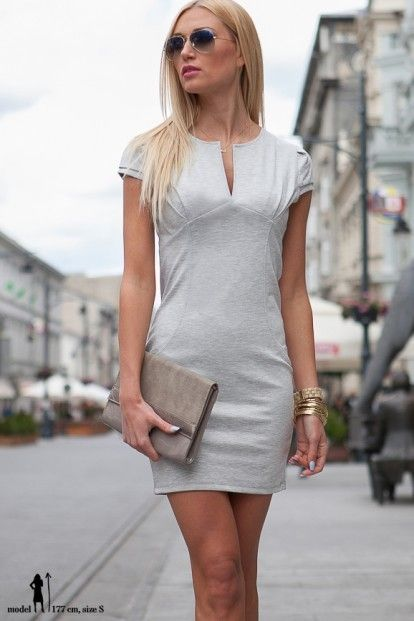 acd5cdfcdd07 Elegantné mini sivé šaty s výstrihom v tvare V značky Fasardi - Lovely.sk