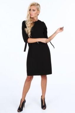 9bf6112d8846 Čierne elegantne dámske šaty s mašľami na rukávoch značky Fasardi ...