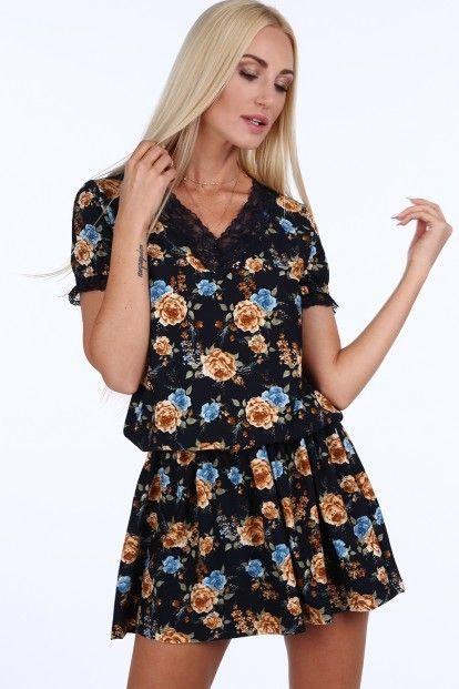 96e6a63ee731 Tmavomodré kvetinové dámske mini šaty s čipkou značky Fasardi - Lovely.sk