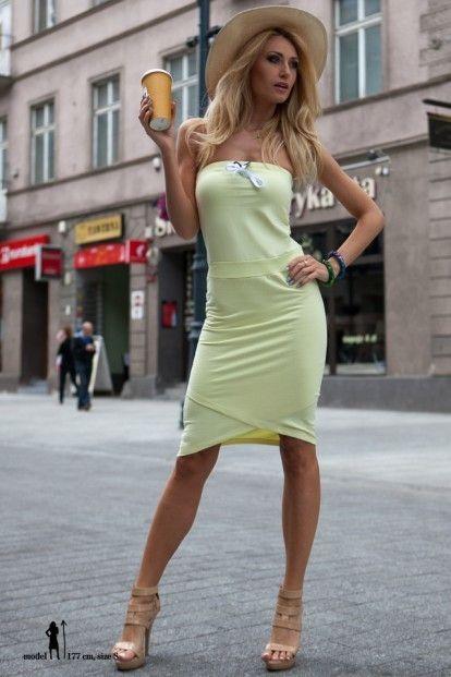 774cbfdd6331 Letné citrónové asymetrické šaty značky Fasardi - Lovely.sk