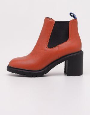 6b2fade8ad68 Hnedé členkové topánky na podpätku s leopardím vzorom v semišovej ...