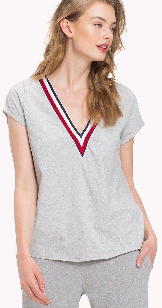 f4fa4204920a Šedé melírované tričko s V výstrihom Modern Stripe VN Tee značky ...