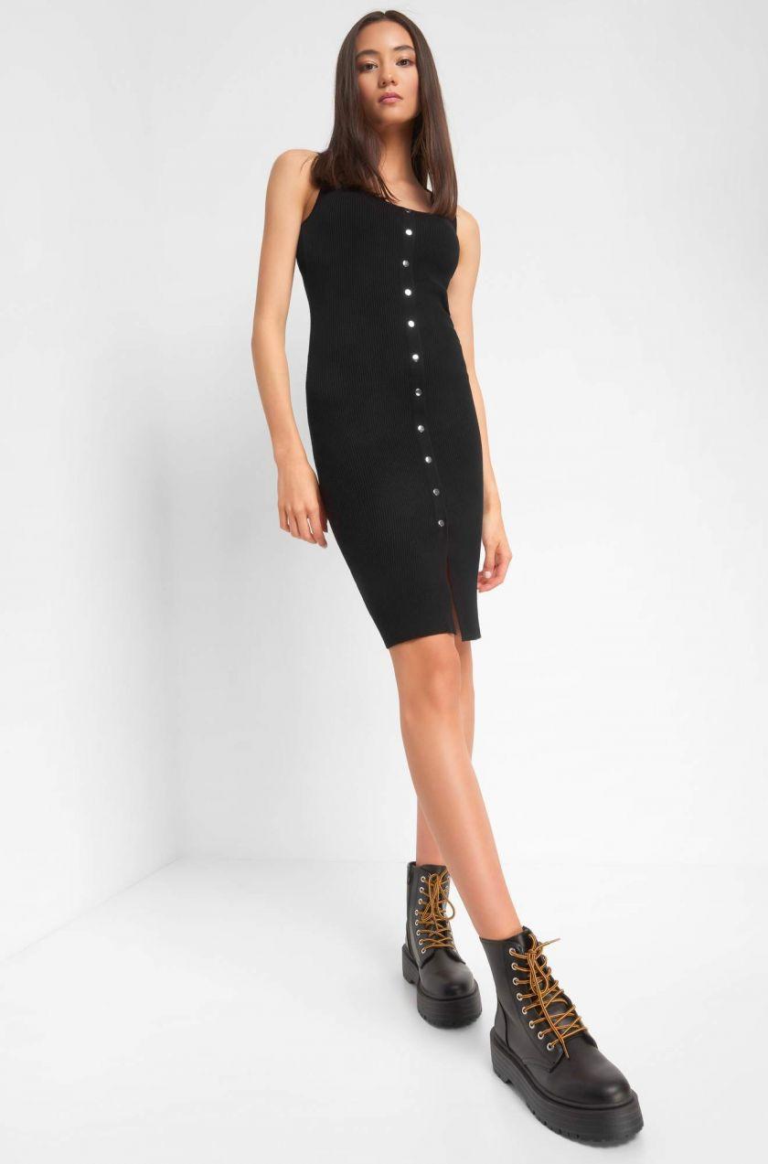 ee2418478f27 Úzke šaty s gombíkmi značky ORSAY - Lovely.sk