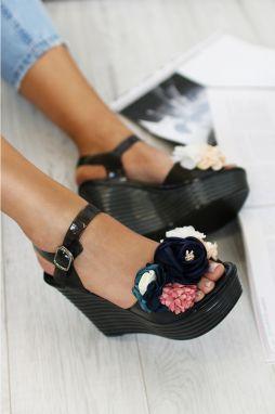 74ae631addbc Čierne platformové sandále May značky IDEAL - Lovely.sk