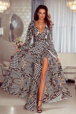 537385880ed6 Čierne puzdrové šaty s výšivkou Little Mistress značky Little ...