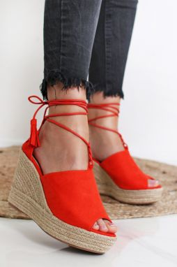 5208e0b49b Dámske sandále na platforme - Lovely.sk
