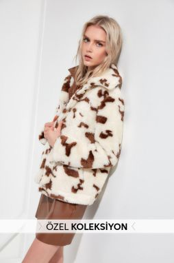 Trendyol Ekru Patterned Plush Coat