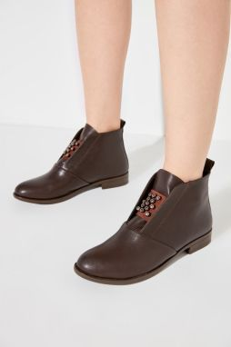 Trendyol Women's Boots with Brown Accessories & Bootie