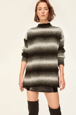 Trendyol Grey Gradient Knitted Sweater