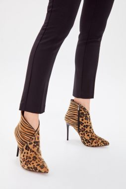 Trendyol Brown Thai Feather Leopard Print Women's Boots
