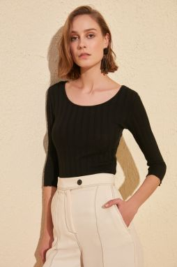 Trendyol Black Wide Collar Knitted Blouse