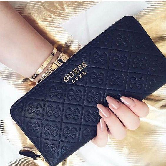 c224db623 Peňaženky Guess - Lovely.sk